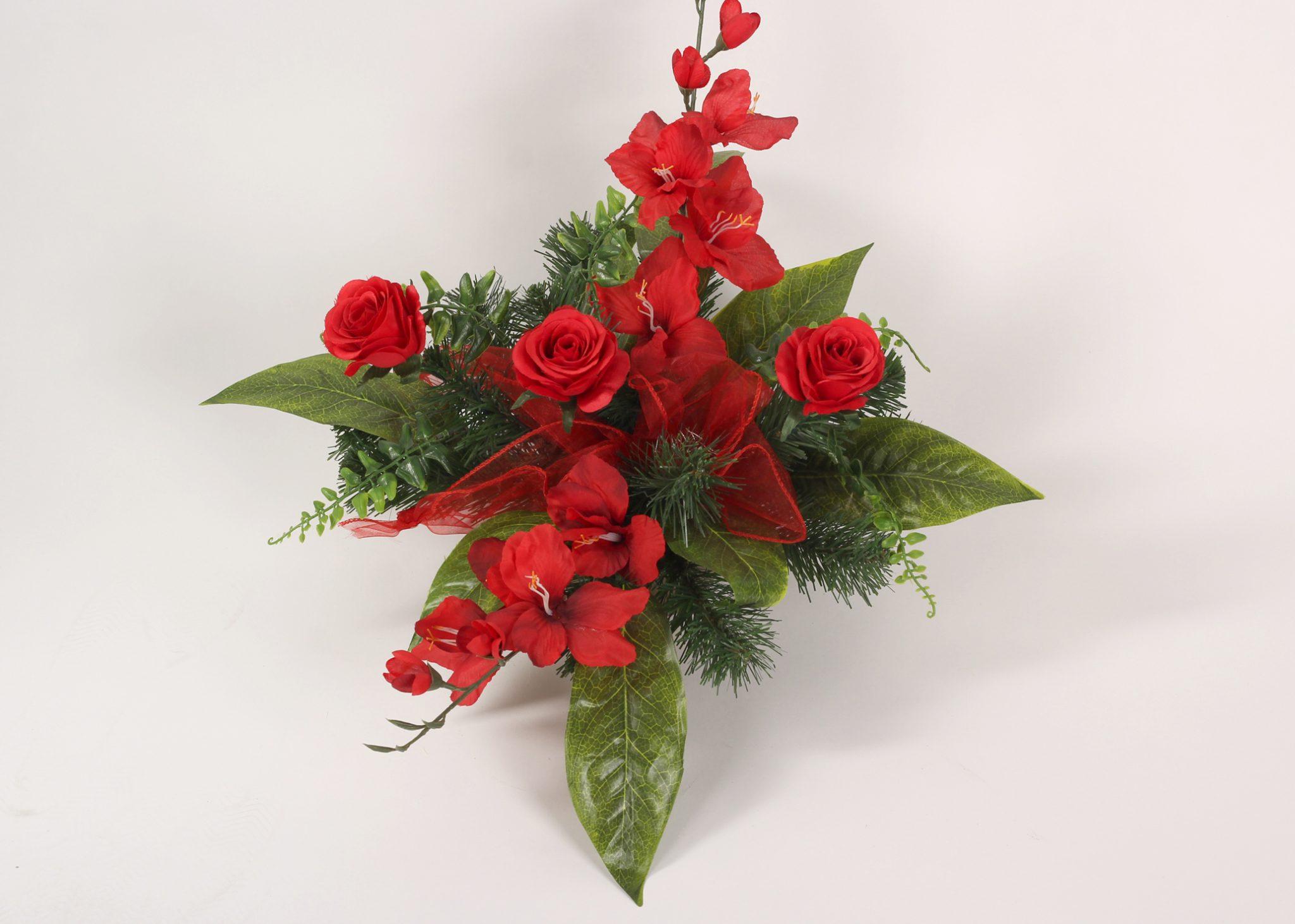 stroik z czerwonych róż