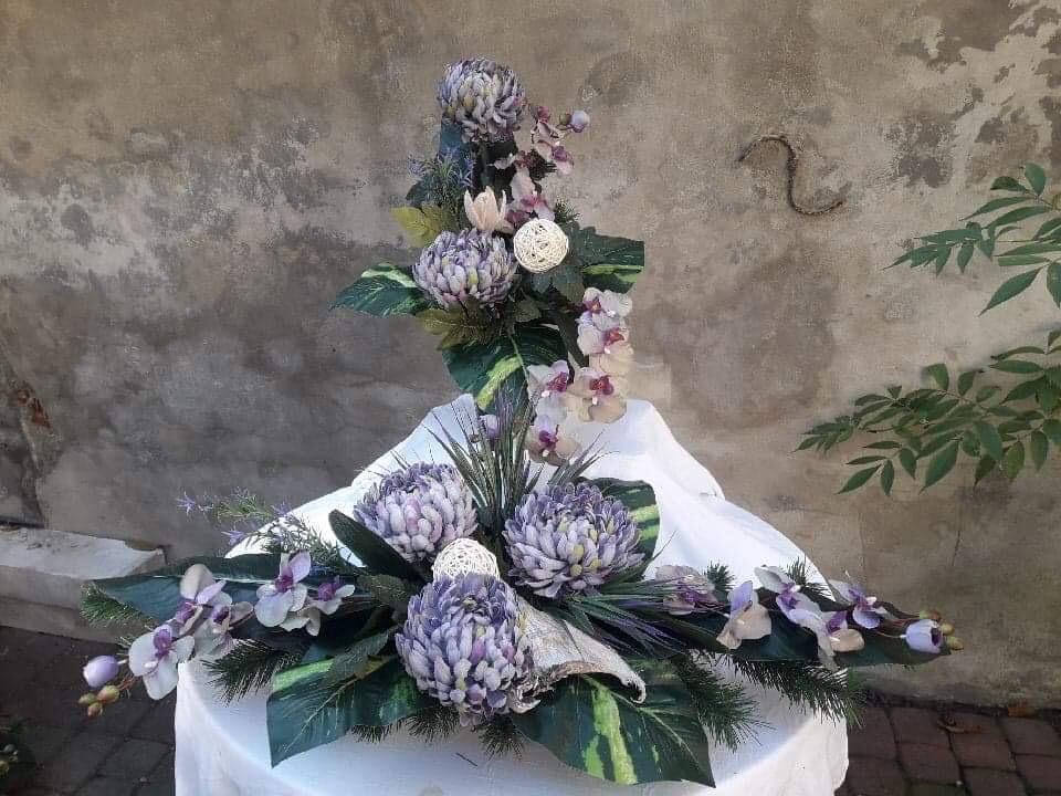 Kompozycje z kwiatów sztucznych