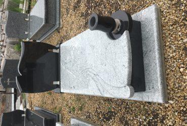 Nagrobek granitowy