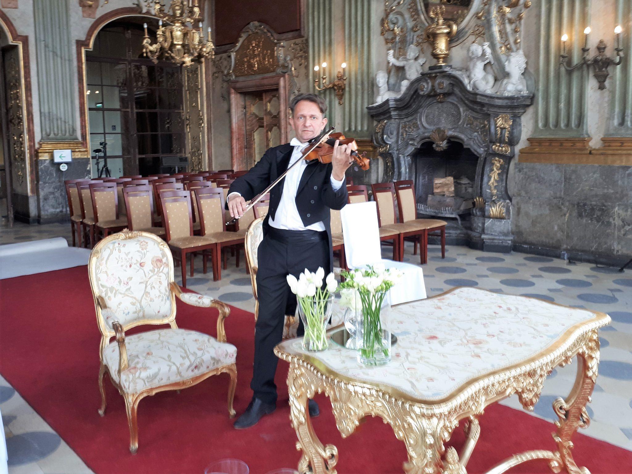 Skrzypce,wokalistka,trąbka-piękna muzyka na uroczyste pogrzeby-Wrocław+cały Dolny Śląsk